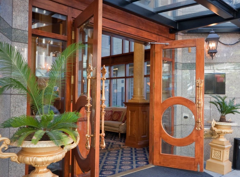 Doors Design: Arches, Contemporary Glass New Trends In Front Door