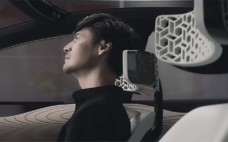 Nissan-unveiled-it-Brain-to-Vehicle-technology