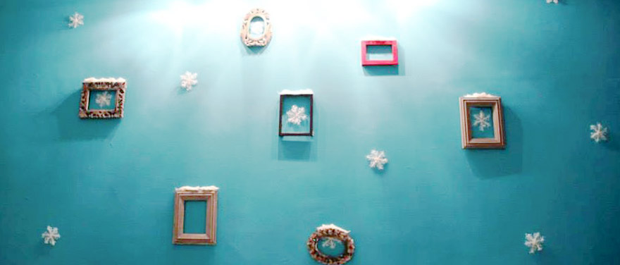 DIY Chritmas Party Photo Wall