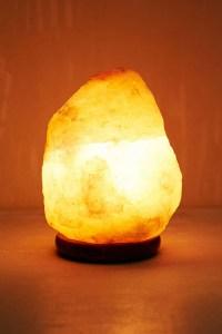 10 Benefits of Himalayan Salt Lamps - Design Crush