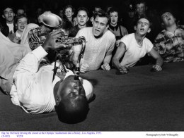 big-jay-mcneely-on-sax-olympic-auditorium-la-1953-bob-willoughby
