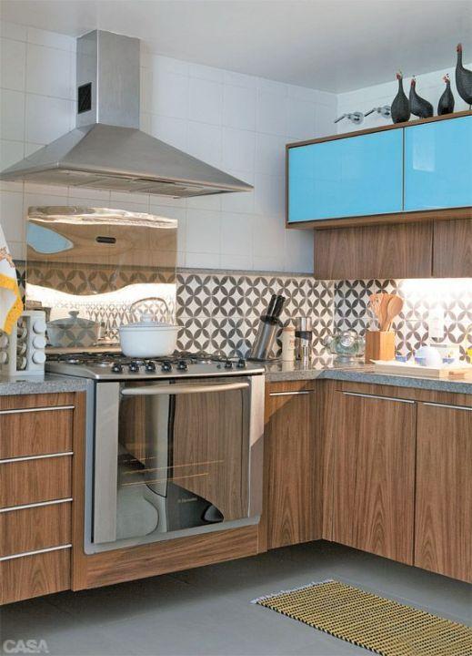 Cozinha com detalhe azul