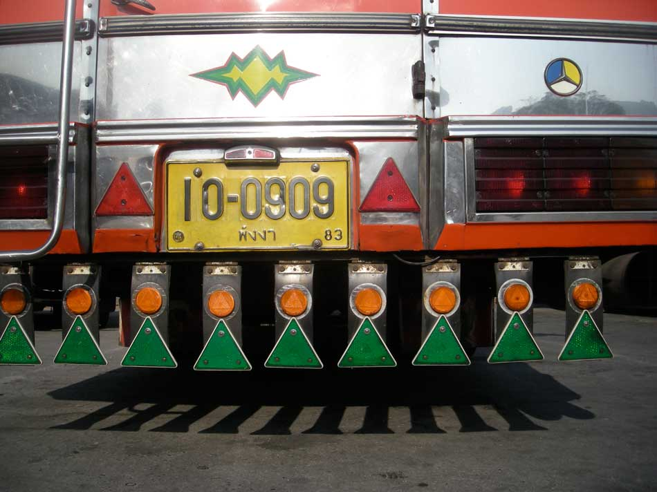 triangles on bus