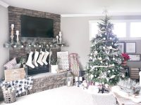 Christmas Living Room Decorations - Taryn Whiteaker
