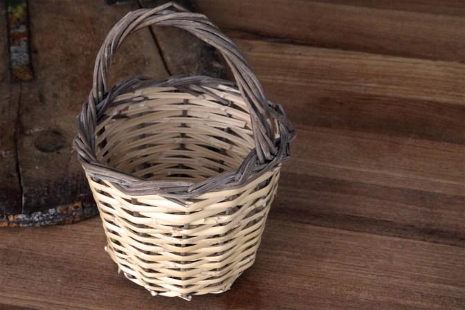 0100-egg-basket