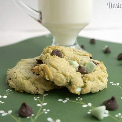 Tantalizing Tuesday – Mint Chocolate Chip Cookies!