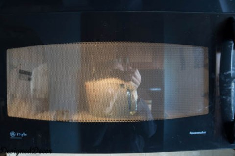 How to Clean a Microwave- with baking powder and water