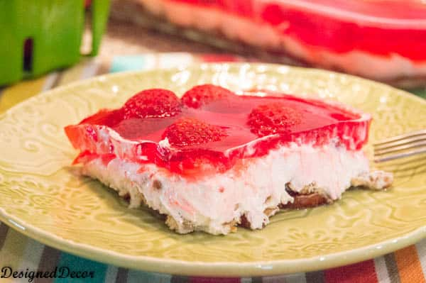strawberry jello dessert