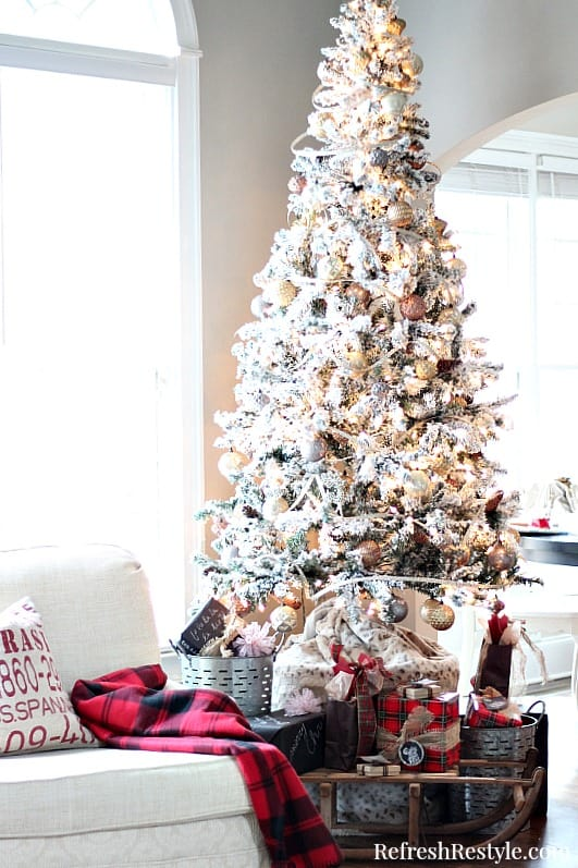 Christmas-Flocked-Tree-with-golds-and-silvers