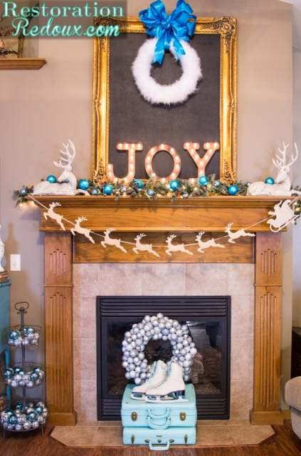 Restoration-Redouxs-Christmas-Mantel-423x640