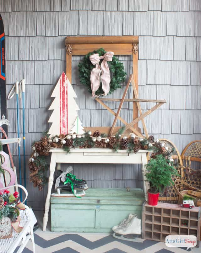 vintage-inspired-christmas-porch-decorations-24