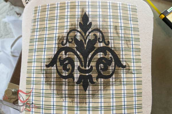 How to Stencil Fabric-Dab Method Stenciling