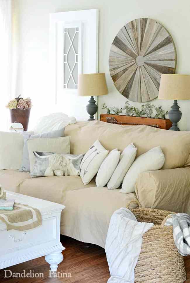 farmhouse-fall-tour-living-room