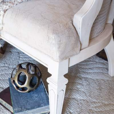 Painting a Fabric Chair!