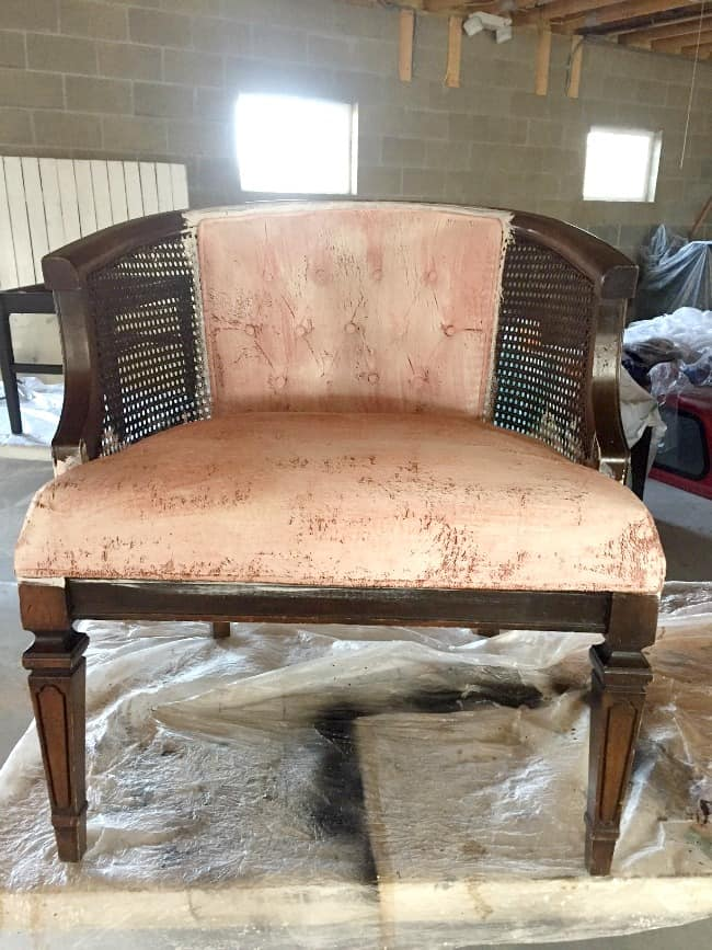 Painting a fabric chair with FAB