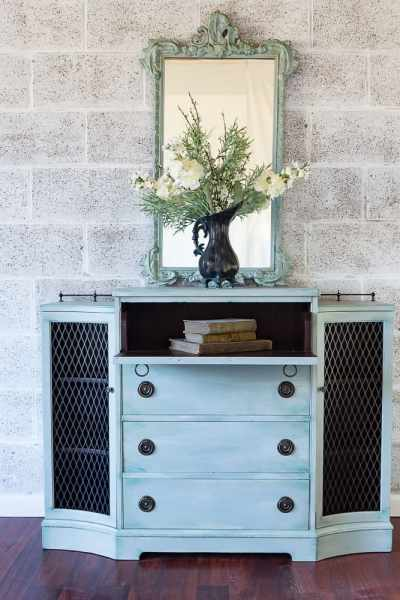 Giving a New Life to an Outdated Secretary Dresser