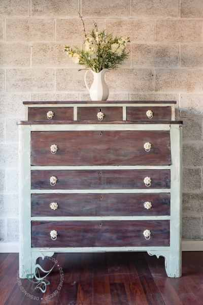 How to Create a Beautiful Shabby Paint Finish