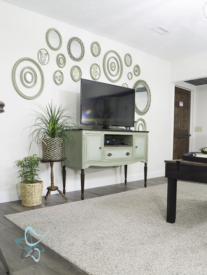 Modern Transitional Living Room Design-Touches of Vintage ...