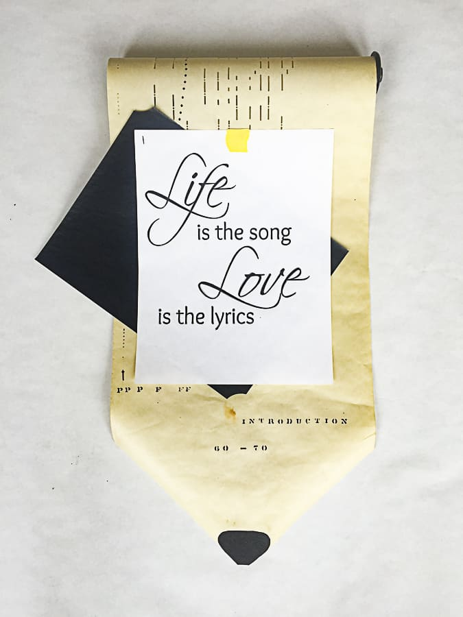 image on how to trace a quote to make a stencil