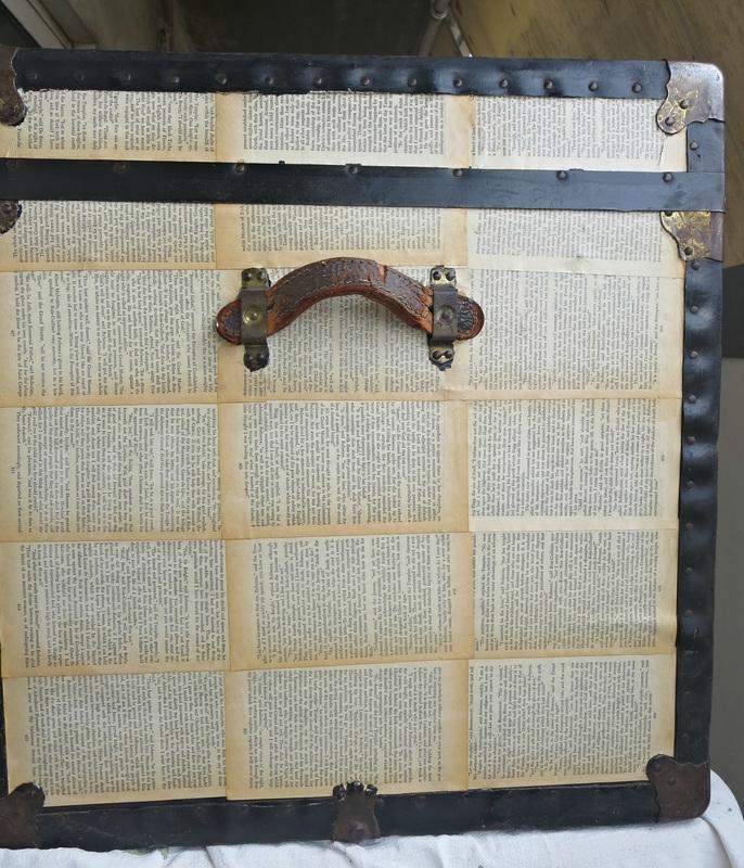 10 Ways to Repurpose Old Books!