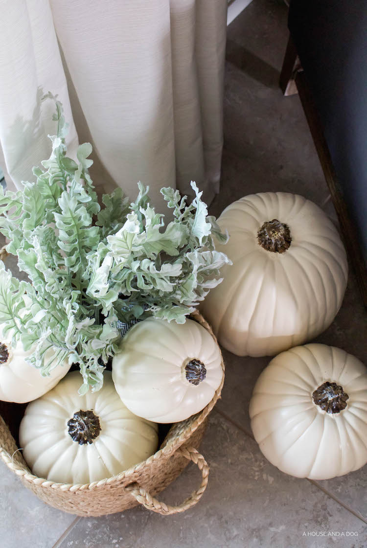 Decorating for Fall - Simple & Easy | designedsimple.com