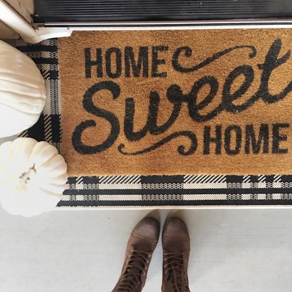 Fall Porch + Favorite Fall Doormats | designedsimple.com