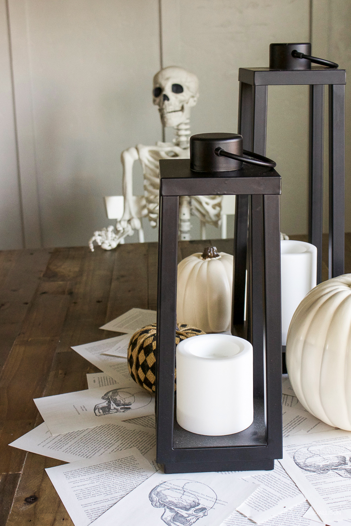 Halloween Dining - Easily Transition from Fall to Halloween | designedsimple.com