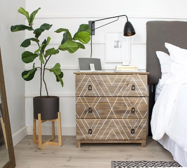 10 Tips for Bedroom Organization