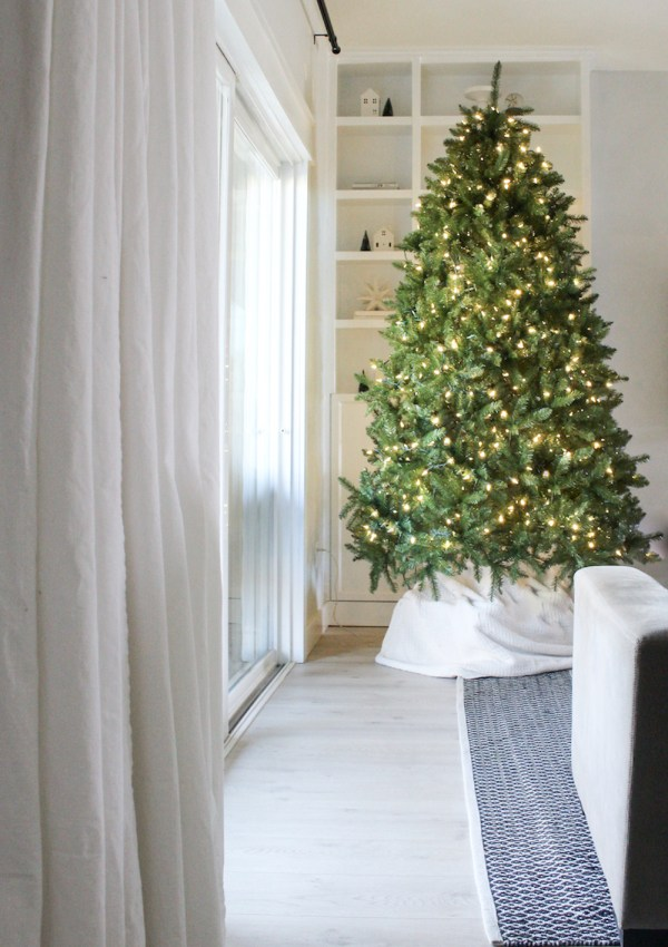 A Green & White Christmas