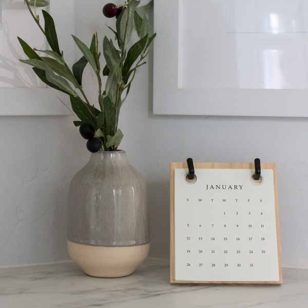 Grab your FREE 2020 Hearth and Hand with Magnolia Calendar Refill | Designed Simple | designedsimple.com