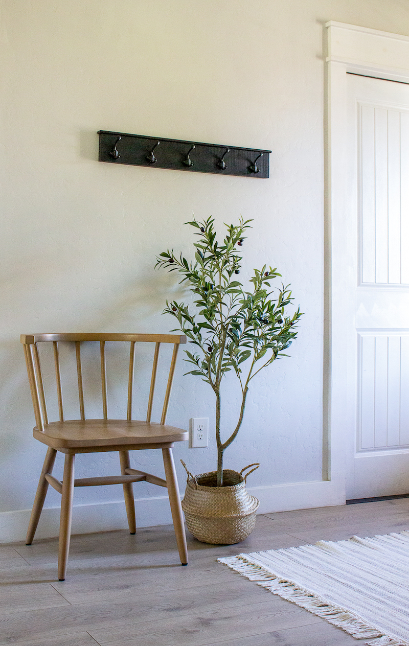 Designed Simple House Tour | California Farmhouse Entryway | designedsimple.com