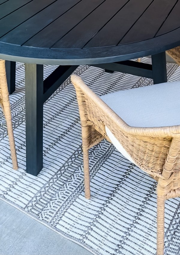 Neutral & Affordable Outdoor Rugs