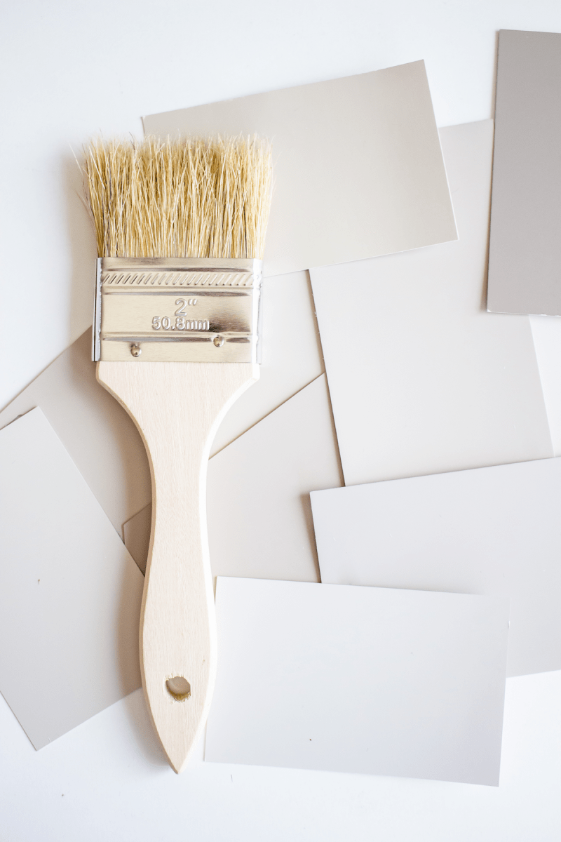 The perfect mix of grey & beige - sharing my favorite Valspar greige paint colors! Plus, my tips for choosing the best color for your home. | Designed Simple | designedsimple.com