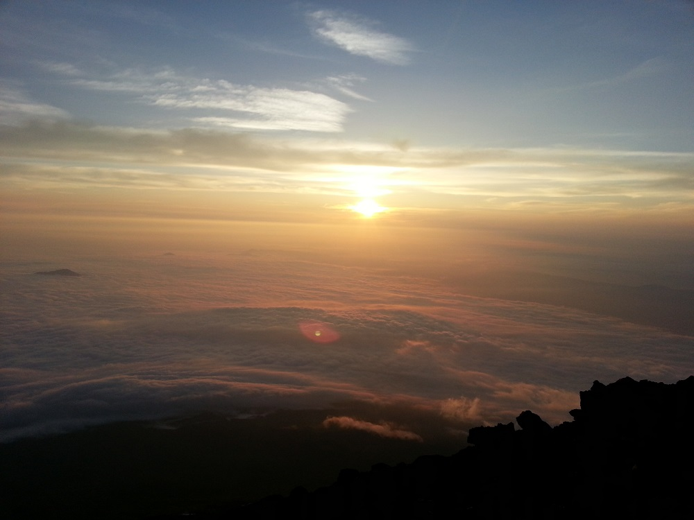 Japonia - Rasaritul de pe Fuji