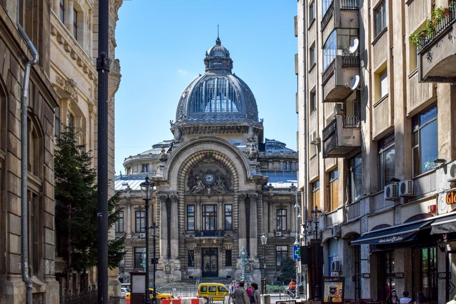 La pas pe Calea Victoriei - obiective în București - Palatul CEC