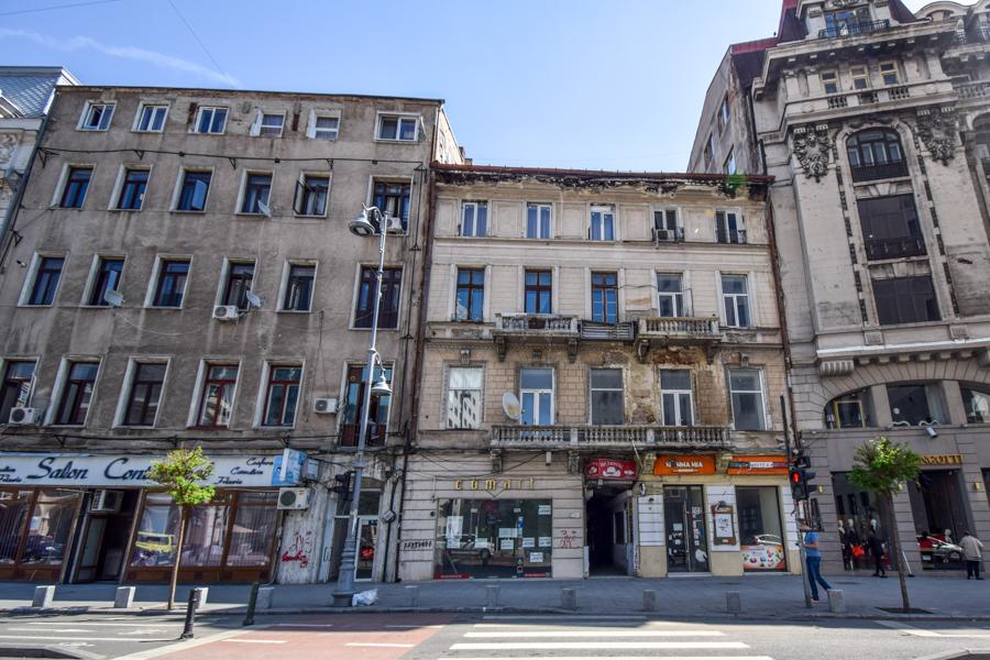 La pas pe Calea Victoriei - obiective în București - Hotelul Hugues, Casa Resch