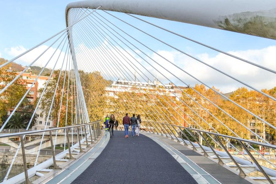 Top 10 obiective de vizitat în Bilbao, Spania - Podul Zubizuri