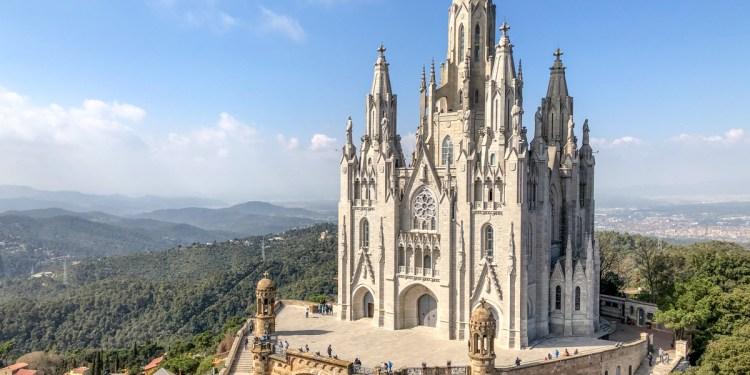 Tibidabo: cea mai frumoasă priveliște din Barcelona și cum ajungi aici