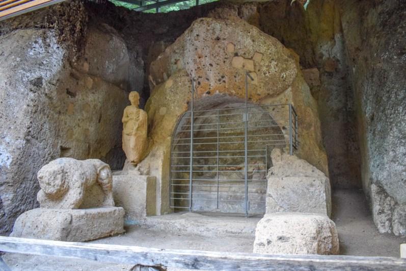 Sudul Toscanei - Necropola etrusca de la Sovana