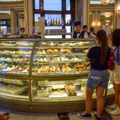Caffe Gamrbinus, Napoli