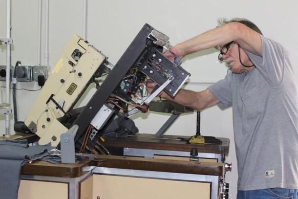 Tommy fixing welt pocket machine