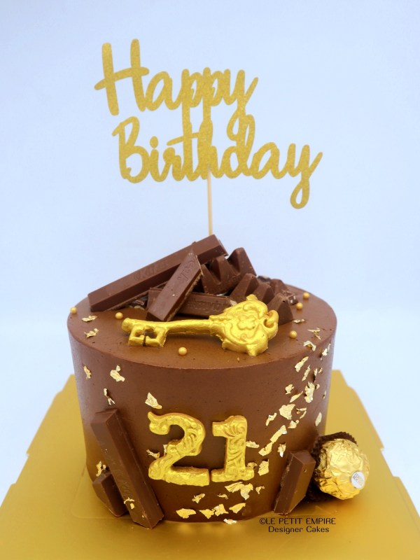 21st Golden Key Cake