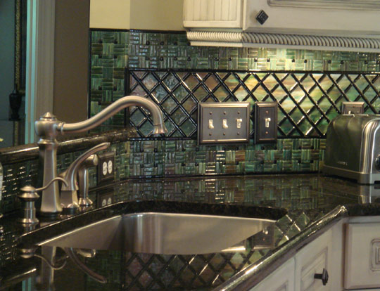 hgtv kitchen backsplash table sets with matching bar stools fused glass (lattice & parquet ...