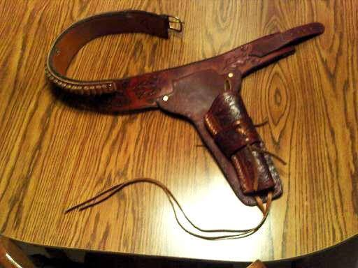 Designer Leatherworks History - Gun Holster and Gun Belt that inspired CT Strickland to learn Leathercraft
