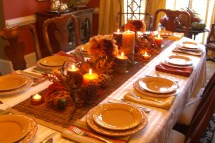 Decorating Thanksgiving Table Mical'