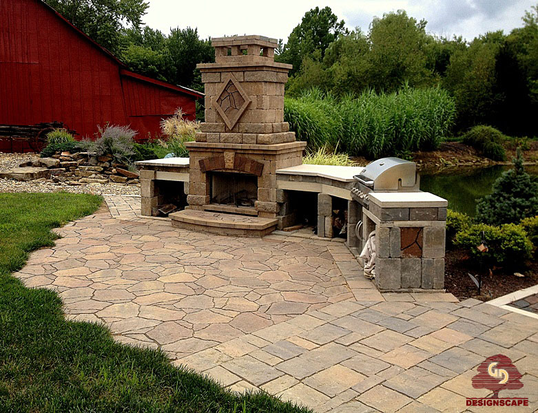 patio w fireplace and built in grill top designscape