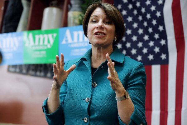 [TECH NEWS] Amy Klobuchar makes broadband access a key component of presidential bid