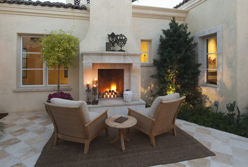 30 Outdoor Fireplace Ideas (With Pictures)