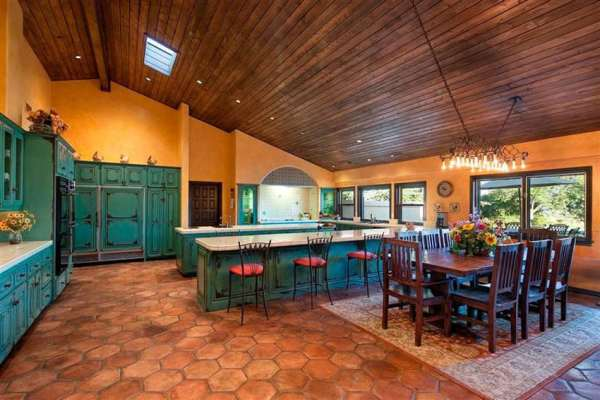 spanish style kitchen tiles floor ideas 25 Beautiful Spanish Style Kitchens (Design Ideas