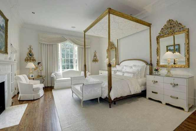 White Theme French Style Bedroom With Four Poster Bed In Gold Seat And